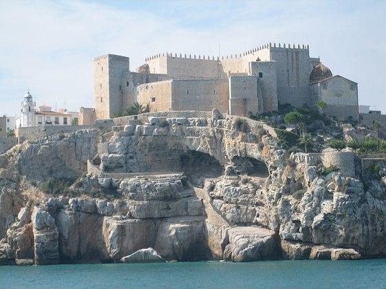 El Castillo de Peñíscola, visto desde el mar.