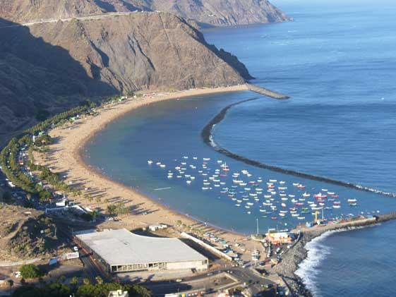 La playa de Las Teresitas, una de las mejores de Santa Cruz de Tenerife