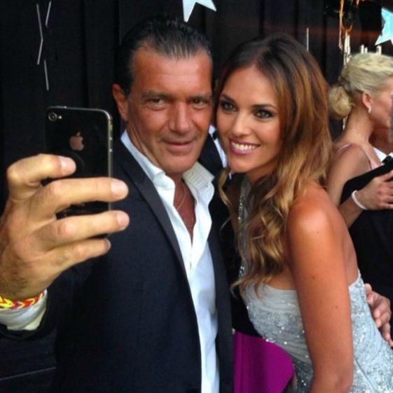 Selfie de Antonio Banderas y Helen Lindes en la gala Starlite