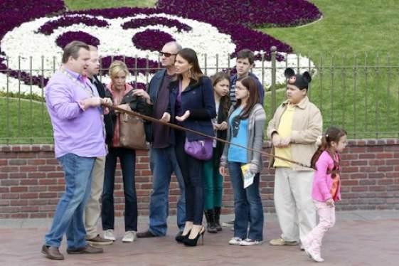 """Una escena del rodaje de """"Modern Family"""" en Disneyland"""