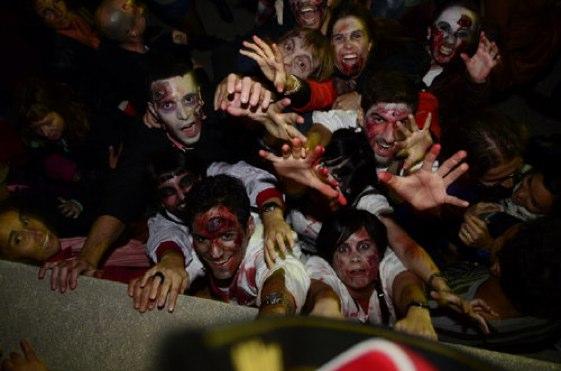 """La Sitges Zombie Walk es una de las """"tradiciones"""" más populares y divertidas del festival de Sitges"""