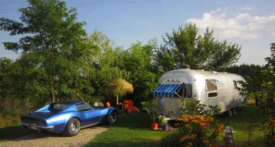 Belrepayre Airstream Retro Trailer Park
