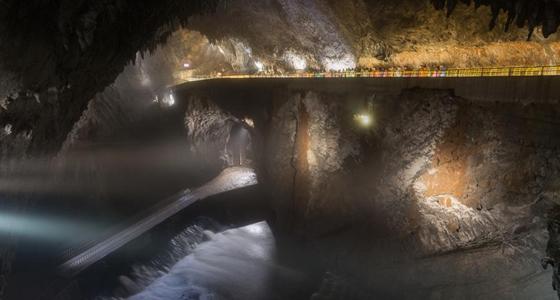 Cuevas Postojnska