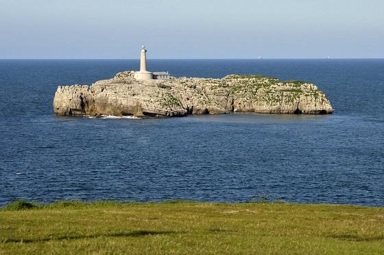 El Faro de la Isla del Mouro en Santander