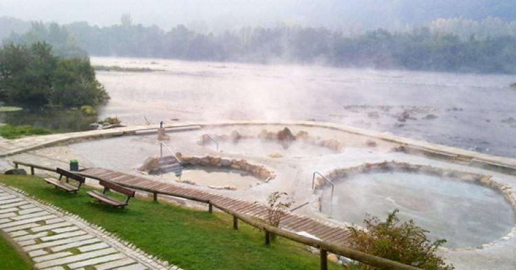 9 termas naturales de espa a que debes conocer el for Piscinas naturales pais vasco