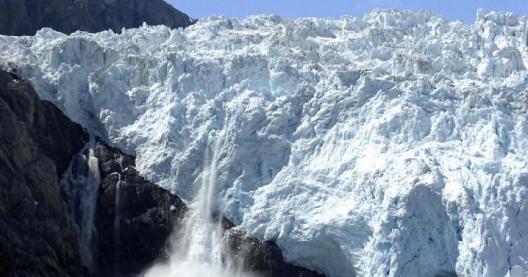 Holgate Glacier en el Parque Nacional de los Fiordos de  Kenai en Alaska