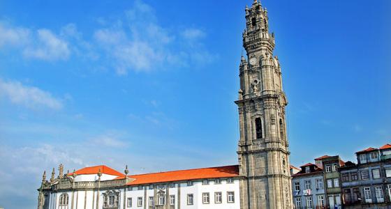 Vitoria-Igreja_e_Torre_dos_Clerigos