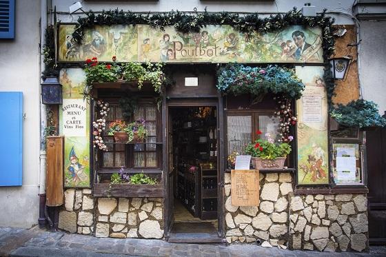Un café con encanto en la zona de Montmartre de París