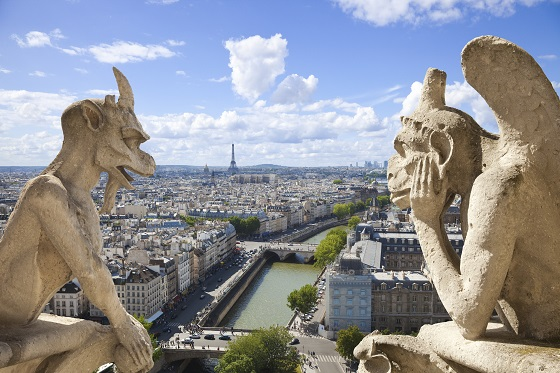 Estatuas grotescas o quimeras en Notre Dame en París