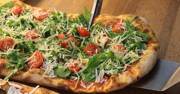 Pizza al trancio por muy poco en Mondo Arancina.