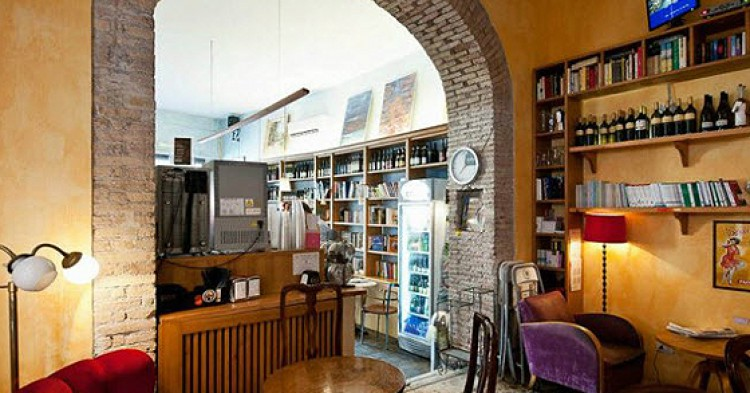 L'Emporio della Pace es uno de los bares más frecuentados del centro de Roma.