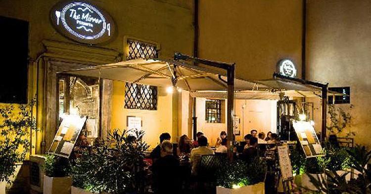The Mirror, uno de los restaurantes más populares del Trastevere.
