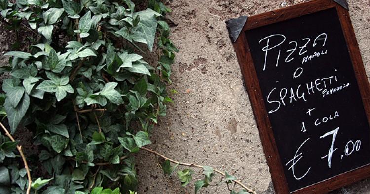 Si quieres comer barato tienes que ir al Pizzicotto.