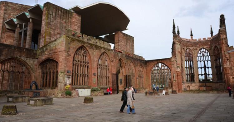 Catedral de St. Michael / Foto: Ben Sutherland