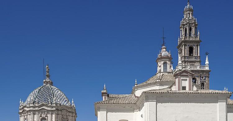 Si quieres ver la Giralda, pero eres más de pueblo, ¡vete a Carmona! (iStock)