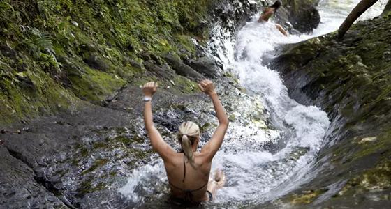 Waitavala Waterslide, Fiyi. Lonely Planet