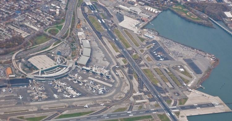 Imagen aérea del aeropuerto de La Guardia. Phillip Capper (Flickr)