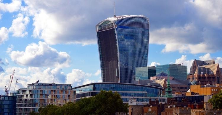 El edificio, sobresaliendo sobre el resto. Bill Smith (Flickr).