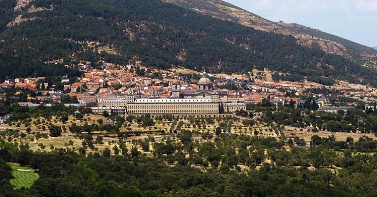 Vista general de El Escorial, pueblo al que pertenece La Granjilla. jacinta lluch valero (Flickr)
