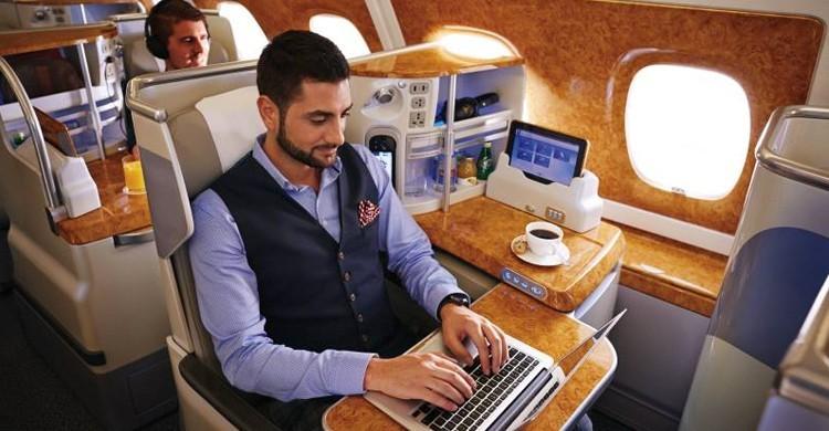 Wifi gratis en Emirates. (Emirates)