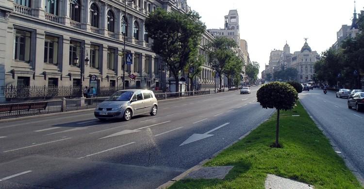 Tramo de la calle de Alcalá justo antes de llegar a Cibeles. M.Peinado (Flickr).