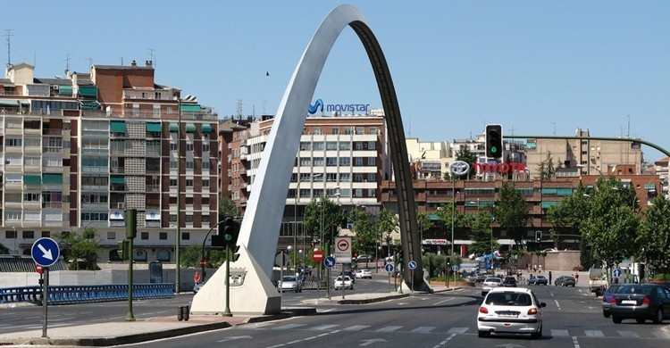 Calle de Alcalá sobre la M-30, puente de Ventas. M.Peinado (Flickr).