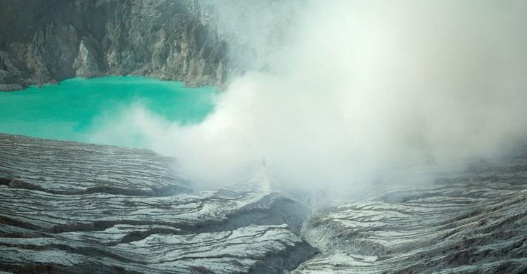 Vista del lago del volcán Kawah Ijen. Reuben Wu