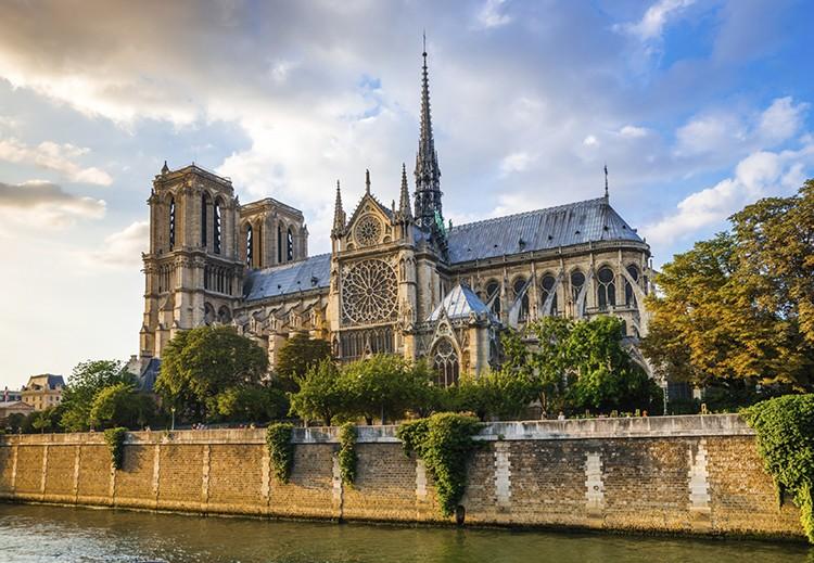 Notre Dame (iStock)