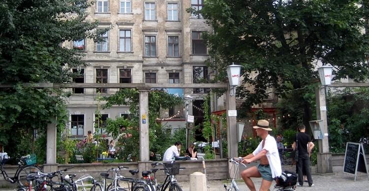Fachada del mítico Clärchens Ballhaus de Berlín.  Christopher Eliot (Flickr)