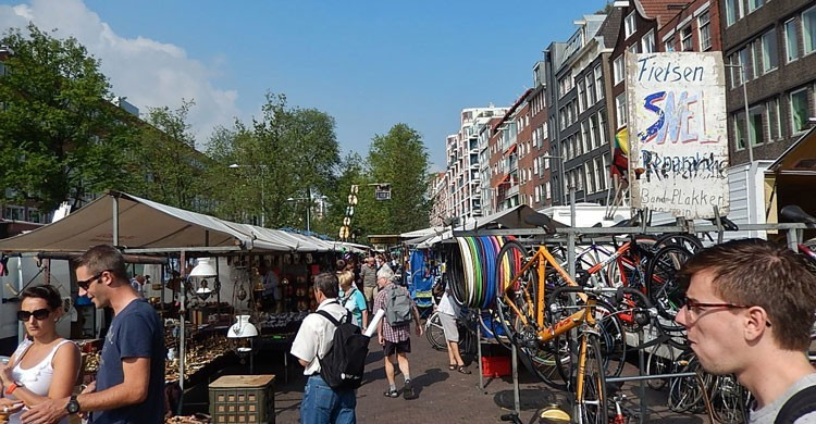 Imagen del mercado de Waterlooplein.  Michael Coghlan (Flickr)
