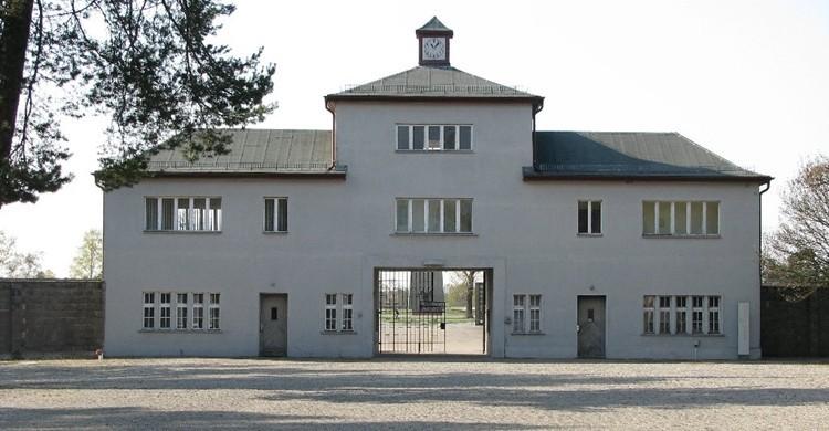 Entrada al campo de concentración de Sachsenhausen. Juan Manuel Caicedo Carvajal (Flickr)