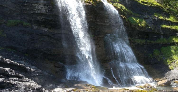 espectacular cascada de la Rouget de casi mil metros de altura en Sixt Fer a Cheval. Jerome Bon (Flickr)