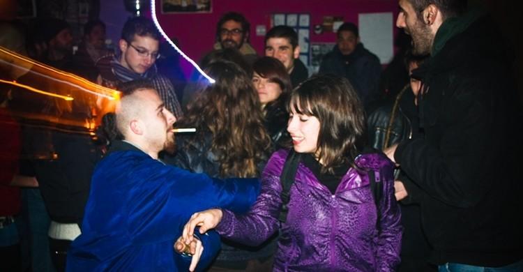 Jóvenes en una discoteca. paride de carlo (Flickr)