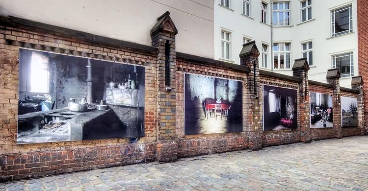 Imagen de uno de los murales artísticos situados en Auguststrasse. Wolfgang Staudt (Flickr)