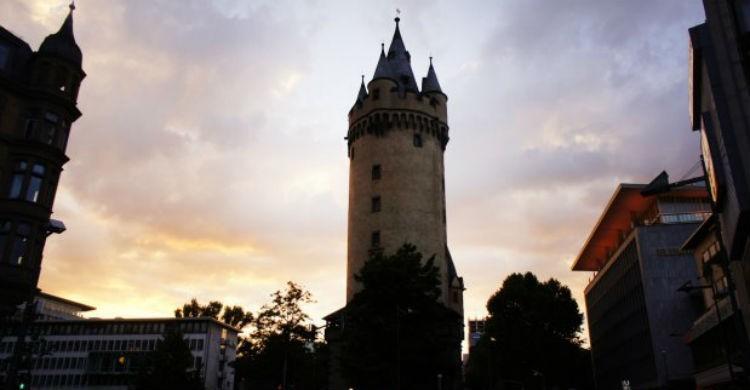 Torre Eschenheim  - Barniz (Flickr)