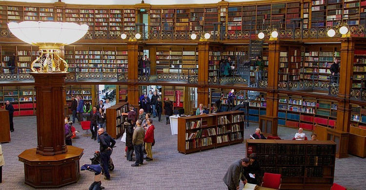 Biblioteca Central. Terry Kearney (Flickr)