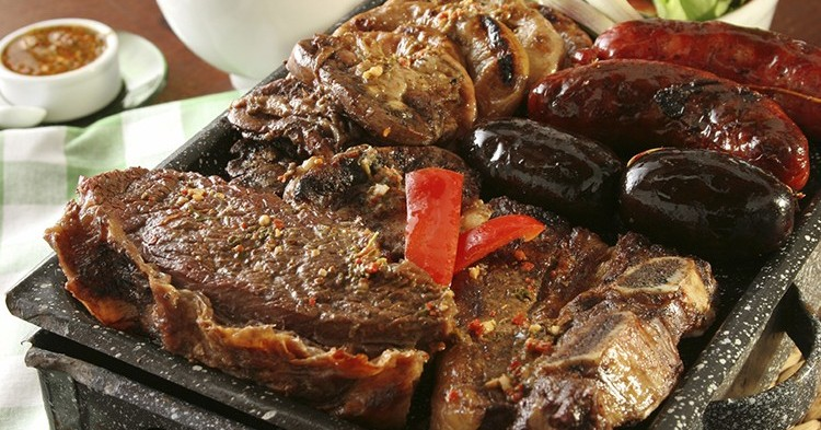 Típico asado argentino (iStock)