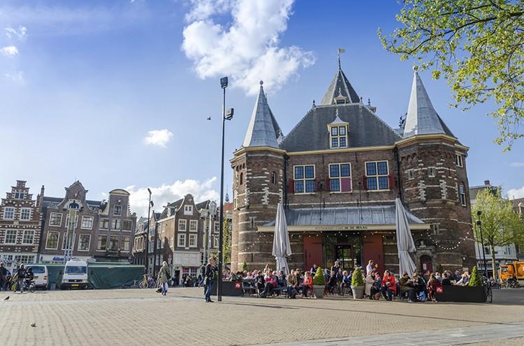 Nieuwmarkt, Ámsterdam (iStock)