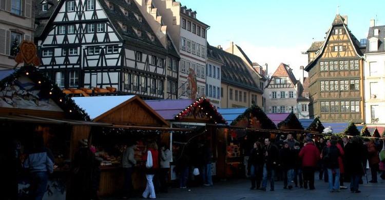 Mercadillo en el centro de Estrasburgo. Pug Girl (Flickr)