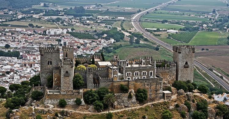 Almodóvar del Río, con su castillo en primer término. giborn_134 (Flickr)