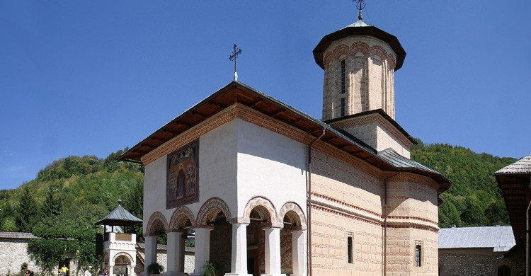 Monasterio de Polovragi (wikimedia.org)
