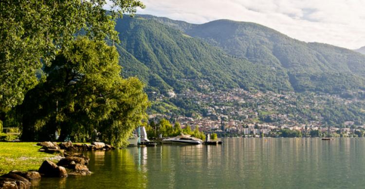 Lago Mayor - Eva Buijs (Flickr)