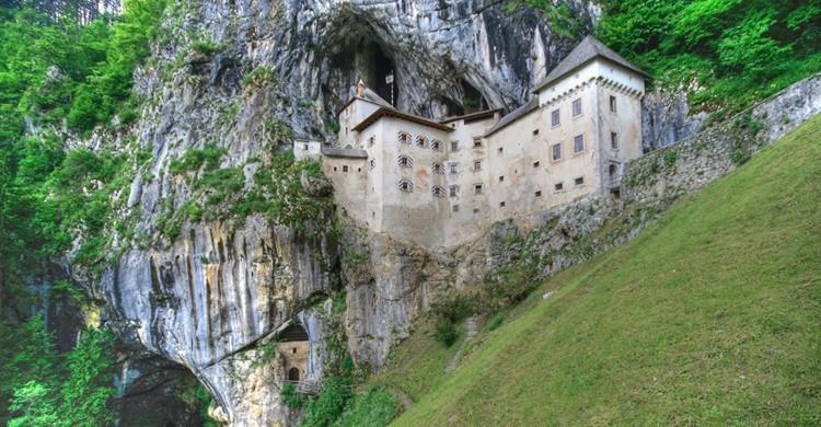 Castillo de Predjama. Elio (Flickr)
