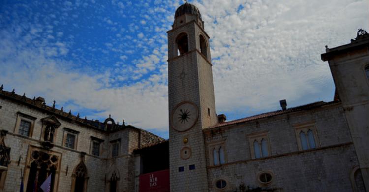 Reloj de Dubrovnik - Adrián García (Flickr)