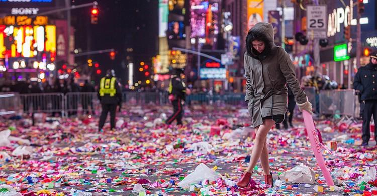 Después de la fiesta en Times Square, 2015. Anthony Quintano, Foter