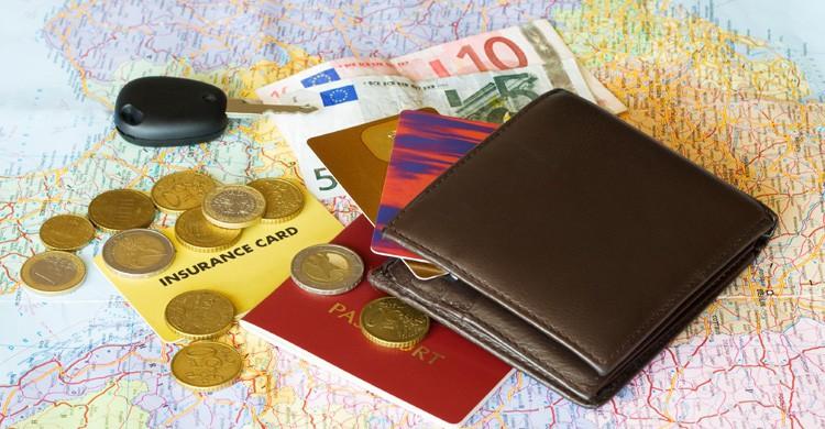Además de la asistencia médica, los seguros de viaje te ofrecen la posibilidad de anular el viaje sin perder tu dinero (iStock)