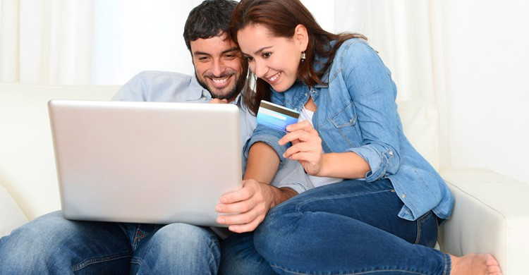 Si es posible, lo recomendable es contratar un seguro de viajes, especialmente en las salidas al extranjero (iStock)