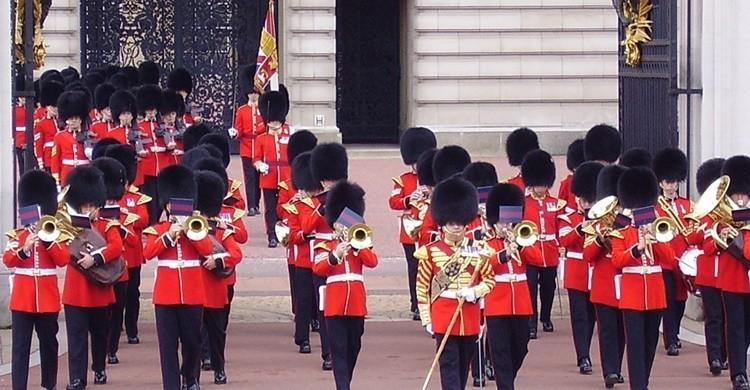 Cambio de guardia en Buckingham Palace. Nuria Monsó Tarancón (Flickr)