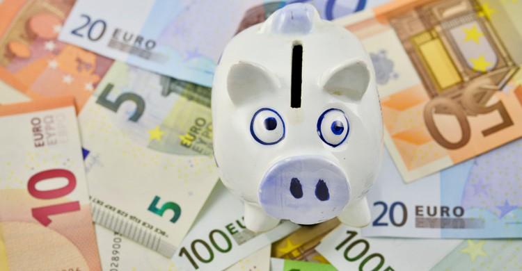 Comparar precios en los seguros de viaje puede hacerte ahorrar dinero (iStock)