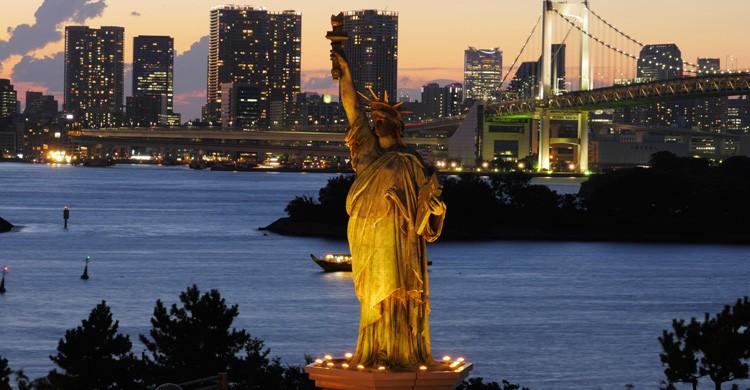 Réplica de la Estatua de la Libertad en Odaiba (iStock)